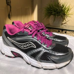 928f5f80961a Saucony Oasis Grid Women's Running Athletic Shoes
